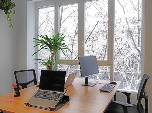 Tres puestos de coworking